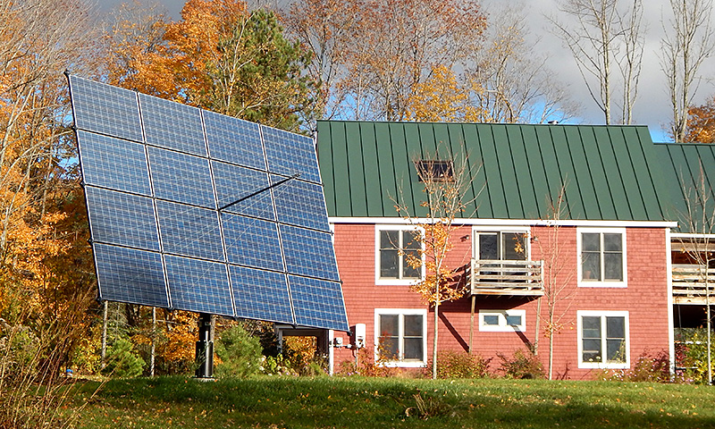 This house in Thetford, VT was a good candidate for a backyard solar tracker